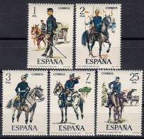 ESPAÑA 1977 UNIFORMES MILITARES VIII  - EDIFIL Nº 2423-2427 - Yvert 2069-2073 - 1971-80 Ongebruikt