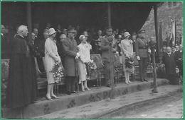 ! - Belgique - CP - Le Roi Albert 1er Et Son épouse La Reine Elisaberth, Départ Pour Le Congo En 1928 - Familias Reales