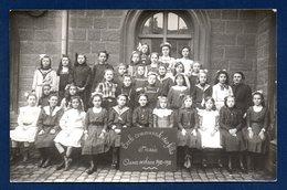 Arlon. Carte-photo. Ecole Communale Filles . 6ème Année   1910-11. Photo Eugène Gavroy , Habay-la-Neuve - Arlon