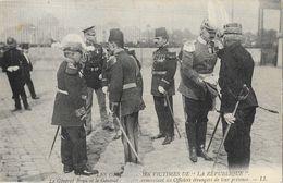 Les Obsèques Des Victimes De La République - Le Général Brun Et Tremeau Remerciant Les Officiers étrangers 1910 - Begrafenis