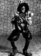 Le Chanteur MICHAEL JACKSON   Déguisé En Clown à  REIMS    En 1984 - Personnes Identifiées