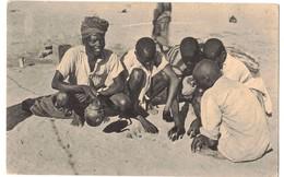 SOMALIA ITALIANA - INDIGENI CHE GIUOCANO - Somalia