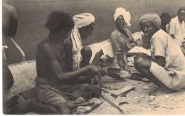 SOMALIA ITALIANA - FABBRICAZIONE DI SANDALI - Somalia
