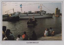 """17 LA ROCHELLE  - VUE UNIQUE - 19/06/1988 LA FREGATE METEOROLOGIQUE """"FRANCE 1"""" ENTRE DANS LE PORT DE PECHE ...... - La Rochelle"""