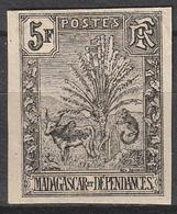 MADAGASCAR N° 77a NON DENTELE - Madagascar (1889-1960)