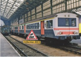 Automotrices Z 4174 Et 4181 En Gare De Tours (37) - - Stations With Trains