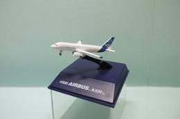 NewRay - AVION AIRBUS A320 BO 1/550 - Avions & Hélicoptères