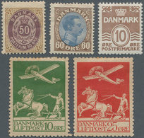 Dänemark: 1895-1937, Group Of 32 Mint Stamps Including Several Good Items Like 1895 50 øre Lilac & B - 1851-63 (Frederik VII)