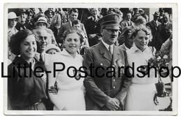 AK Der Führer Mit Den 3 Siegerinnen Im Speerwurf Adolf Hitler In Uniform Olympia 1936 - Personnages
