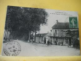 T3 6537 CPA 1920 - 77 GUIGNES. LE PETIT NOGENT. LA ROUTE DE PARIS - ANIMATION.RESTAURANT - Restaurants