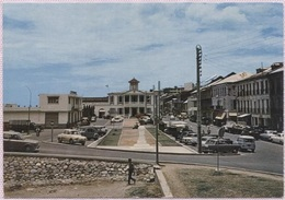 CPM - GUADELOUPE - BASSE-TERRE - Le Cours Nolivos Au Fond La Mairie (voitures) - Edition Cabe - Basse Terre