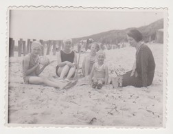 26788 Photo Flessingue Belgique - Juillet 1932 - Famille Dans Les Dunes Enfant Plage - Lieux