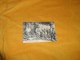 CARTE POSTALE ANCIENNE CIRCULEE DATE ?.../ ILES GILBERT.- GROUPE D'INDIGENES.. - Cartes Postales