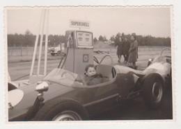 26790 Deux 2 Photo Course Automobile -sans Doute Belgique -pompe Supershell -formule 1 ? - Automobiles
