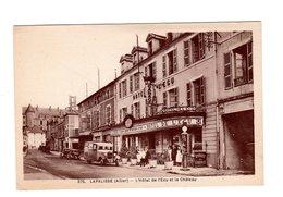CPA 03 - Lapalisse ( Allier ) - L'hôtel De L'Ecu Et Le Château , Bus Pompe Essence - Lapalisse