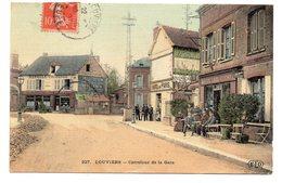 CPA 27 - LOUVIERS - CARREFOUR DE LA GARE (CARTE COLORISEE ET TOILEE) - Louviers