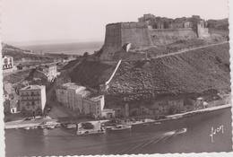 DAV :  Corse :   BONIFACIO  : Les   Remparts  , La  Citadelle - France