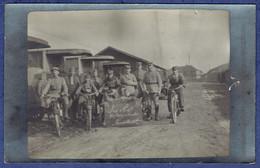 CPA CARTE-PHOTO MILITARIA - AUTRICHE - NEUSTADT - LES AS MOTOCYCLISTES - Militaria