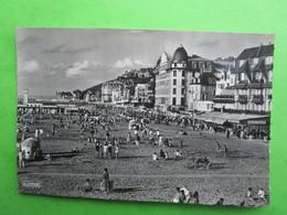 TROUVILLE - La Plage Et Les Planches -  Carte Postale (oblitérée En 1963) - Trouville