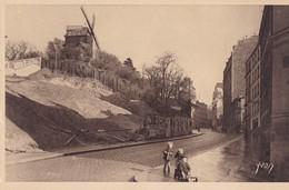 PARIS - La Rue Lepic Et Le Moulin De La Galette - Francia
