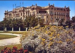 Rimini - Giardini E Grand Hotel - Formato Grande Viaggiata – E 10 - Rimini