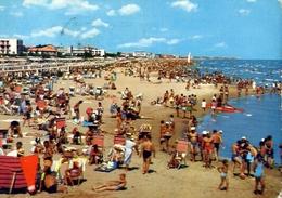 Riccione - Vita Di Spiaggia - 12 - Formato Grande Viaggiata – E 10 - Rimini