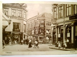 Odense. Korsgade. Alte, Seltene AK S/w, Gel. 1917. Straßenpartie, Geschäfte, Straßenbahn,  Gebäudeansichten, V - Ansichtskarten