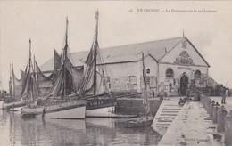 Le Croisic ( 44 Loire Atlantique )  Poissonnerie Et Ses Bateaux - Le Croisic
