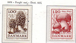 PIA - DANIMARCA   - 1978  :  Funghi -   (Yv  674-75) - Funghi