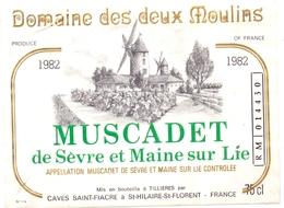 Etiket Etiquette - Vin - Wijn - Molen Moulin - Domaine Des Deux Moulins - Muscadet 1982 - Windmills