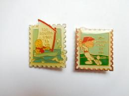 Belle Série De 2 Pin's Différents Dentelés , Ton Souffle C'est Ta Vie , Golf , Voile - Pins