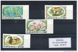 Ghana. Fleurs Et Animaux Série De 4 Timbres Non Dentelés - Ghana (1957-...)