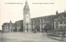Lot 9 CPA 17 Charente Maritime La Rochelle Port Tour Lanterne Panorama Gare Hotel De Ville Cathedrale Grosse Horloge - La Rochelle