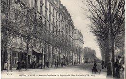 PARIS XX : Avenue Gambetta Au Square Du Père - Lachaise . ( Boutique De Tailleur ) . - Arrondissement: 20