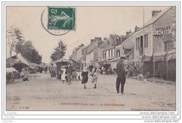 44) PORNICHET  (Loire Inférieure)  Le Vieux Pornichet  - (animée - Jour De Marché) - Pornichet
