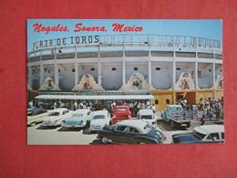 Classic Autos Plaza De Toros  Nogales Sonora  Mexico  Ref 3146 - Mexico