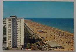 609- Cartolina Lignano Sabbiadoro Spiaggia E Lungomare - Autres Villes