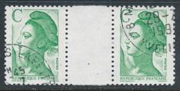 """France - Liberté Avec Lettre """"C"""" - YT 2615 Obl (paire Avec Interpanneau) - 1982-90 Vrijheid Van Gandon"""