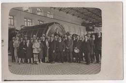 Carte Photo Cachet FTP Association Amicale Provençale 1926  Voir Verso Hall Gare ? - Marchands