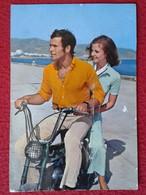 SPAIN POSTAL POST CARD CARTE POSTALE PAREJA NOVIOS HOMBRE Y MUJER EN MOTO MOTOCICLETA MOTORCYCLE MAN WOMAN VER ESTADO - Parejas