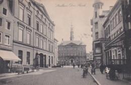 184628Den Bosch, Stadhuis 1921 (links Voermans Cafe - Rechts Hotel Gouden Leuw) - 's-Hertogenbosch