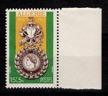 Algérie - YV 296 N** Medaille Militaire Cote 3,25+ Euros - Algérie (1924-1962)