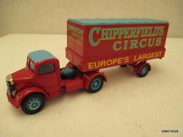 VOITURE - MINIATURE -  ?? Camion BEDFORD CORGI CIRCUS    Peinture Rouge   - - Jouets Anciens