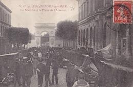 ROCHEFORT  Le MARCHE  Et La Porte De L'ARSENAL ( Plan Animé ) - Rochefort