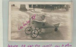 CPA 75  PARIS JARDIN ACCLIMATION  A Identifier Enfant Avion à Roulette Carte Photo Photographe TISOCCO-Jan 2019 1312 - Parcs, Jardins