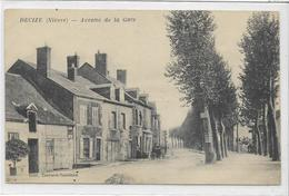 58 DECIZE . Avenue De La Gare , édit : Travard-Taminau , écrite , état Extra - Decize