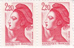YT 2376 - Liberté 2,20 Rouge ** - Variété Au Chien Courant - Errors & Oddities