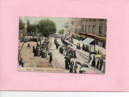 F3001 - COURS- 69 - Grande Rue - Une Jour De Procession - Cours-la-Ville