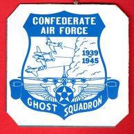 """Militaria-Ecussons -Armée De L'Air- Ghost Squadron 1939-1945 - Prépa-Milt :Parachutiste - E-C 2/2 """"Côte D'Or"""" 3°esc - Militaria"""