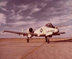 FAIRCHILD A10A THUNDERBOLT II     25 * 20 CM Aviation, AIRPLAIN, AVION AIRCRAFT - Aviación